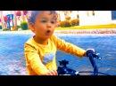 Малыш СЕЛ НА ВЕЛОСИПЕД в 2 года 2 летний ребенок покоряет Велик bicycle for kids