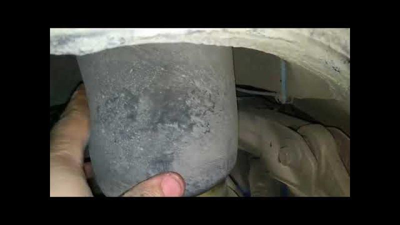 Замена заднего пневмобаллона BMW X5 E70, X6 E71 Replacing the rear airbag