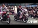 Баттл на мотоциклах. Японцы жарят)