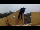 Строительство двухэтажной дачи по проекту Альберта монтаж стен второго этажа.