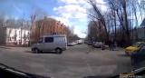 В Москве автохам не пропустил машину (детской) скорой помощи (Дорожные войны)