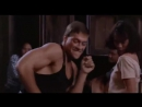 ZHan Klod Van Damm tancuet pod minimal tehno