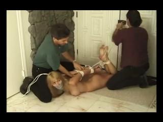 фото насилие девушек над парнем
