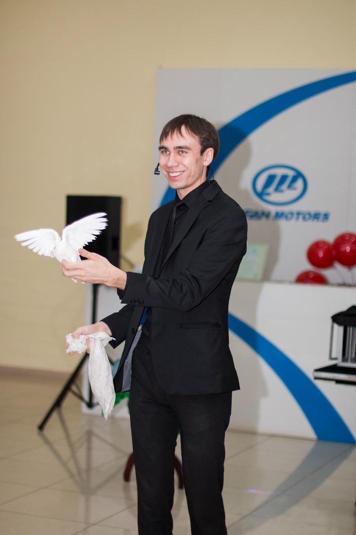"""8 октября в автоцентре """"Кондор"""" состоялась презентация автомобиля Лифан Солано II."""