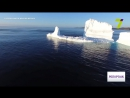 Глыба льда откололась от ледника