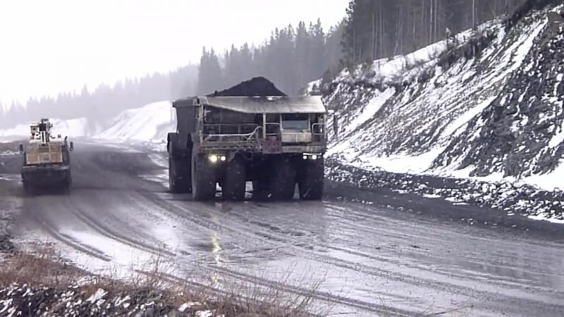 Внедорожный самосвал производства Kress грузоподъемностью 220 т