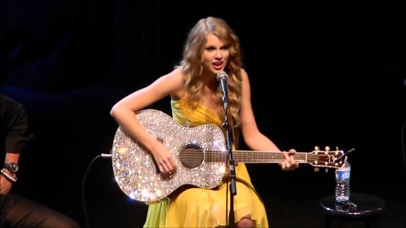 Taylor Swift - Fifteen (Live at All for The Hall, New York 2010)