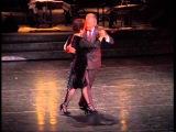 Tango Tango, Carr