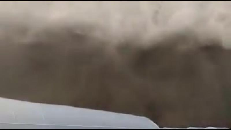 Приближение HP суперячейки и пыльной бури к городу Стара Пазова, Сербия. (17.09.2017)