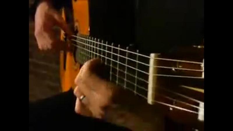 Виртуоз испанской гитары Estas Tonne