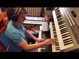 DC_-_Fly_into_the_space_-_SPACESYNTH_2017_LIVE_with_classic_synths.mp4