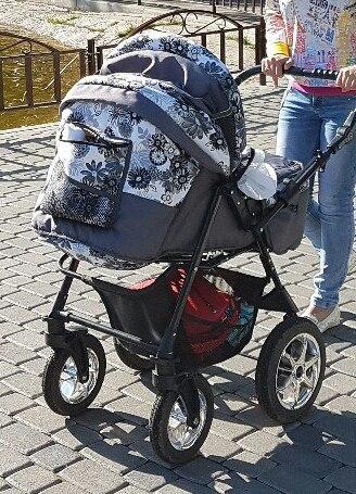 Украли детскую коляску с подъезда. Победы/юбилейная. Кто владеет какой