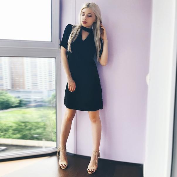 d5cd1b245f4 Универсальное черное платье с чокером