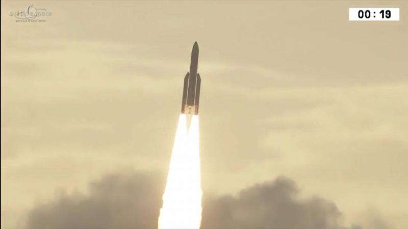 Запуск ракеты Ariane 5 со спутниками GSAT-17 и Hellas Sat 3-Inmarsat S EAN