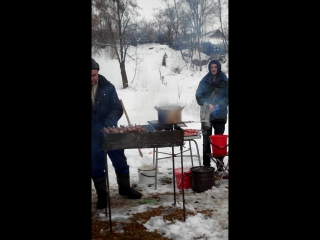 КРЕЩЕНСКИЕ КУПАНИЯ 2017 ШАШЛЫК ОТ МОЛОДЕЖКИ ШЕФ ПОВАР ЮРА