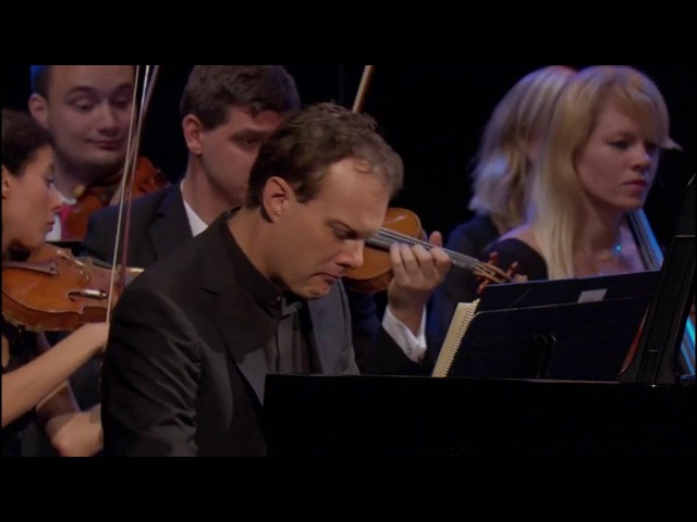 Mozart Concerto for piano and orchestra No. 16 in D major, K 451 - LARS VOGT