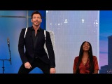 Naomi Campbell Teaches Harry Connick Jr to Walk the Runway