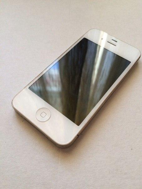 Продам iPhone 4s состояние отличное . Кнопки не залипают , щёлкают , с