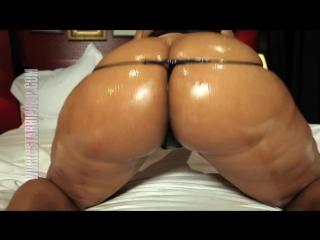 Пышная черная попка в масле (Girls Teen Boobs Tits Секс Порно Попка Сиськи Грудь Голая Эротика Трусики Ass Соски 1080)