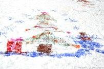 04 января 2012 - Конкурс рисунков на снегу Разноцветный снег в Тольятти