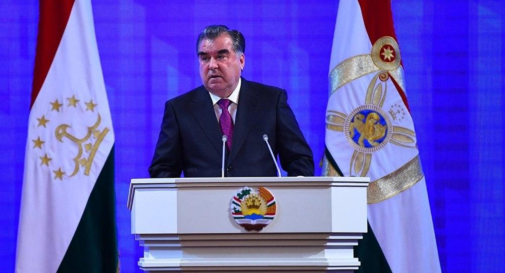 Эмомали Рахмон обратится с посланием парламенту Таджикистана до нового года