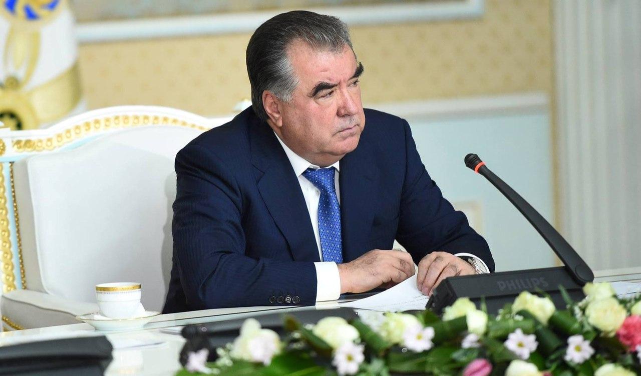 Эмомали Рахмон назначил новых глав областных судов Согда и Хатлона