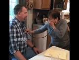 Мать вновь слышит биение сердца погибшего сына, которое пересадили другому человеку