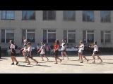 Флешмоб учительницы и учеников под Тает лед и другие хиты (Котовская ЗОШ)