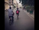 Vélib 타고 빠히여행 엄마자전거잘탄다매 자꾸차랑부딪히려해ㅠ 그래도타야지 사위하 Париж 03 06 2017