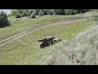 Впервые на экране - ударная машина для спецподразделений Эскадрон. Технические характеристики: скорость до 130 км/ч по бездор