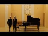 Моцарт.Ария Фигаро.Оригинальное переложение для фортепиано в 4 руки Г.Портнова.исп.Дарья Павлова-Ксения Рябчикова