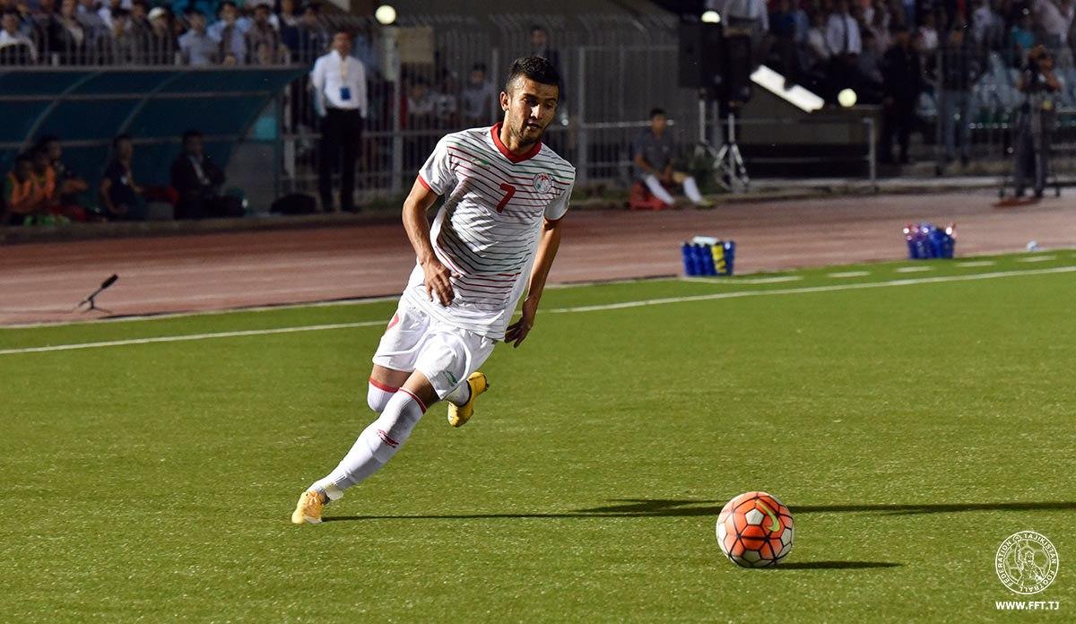 Полузащитник сборной Таджикистана по футболу будет защищать цвета узбекского клуба