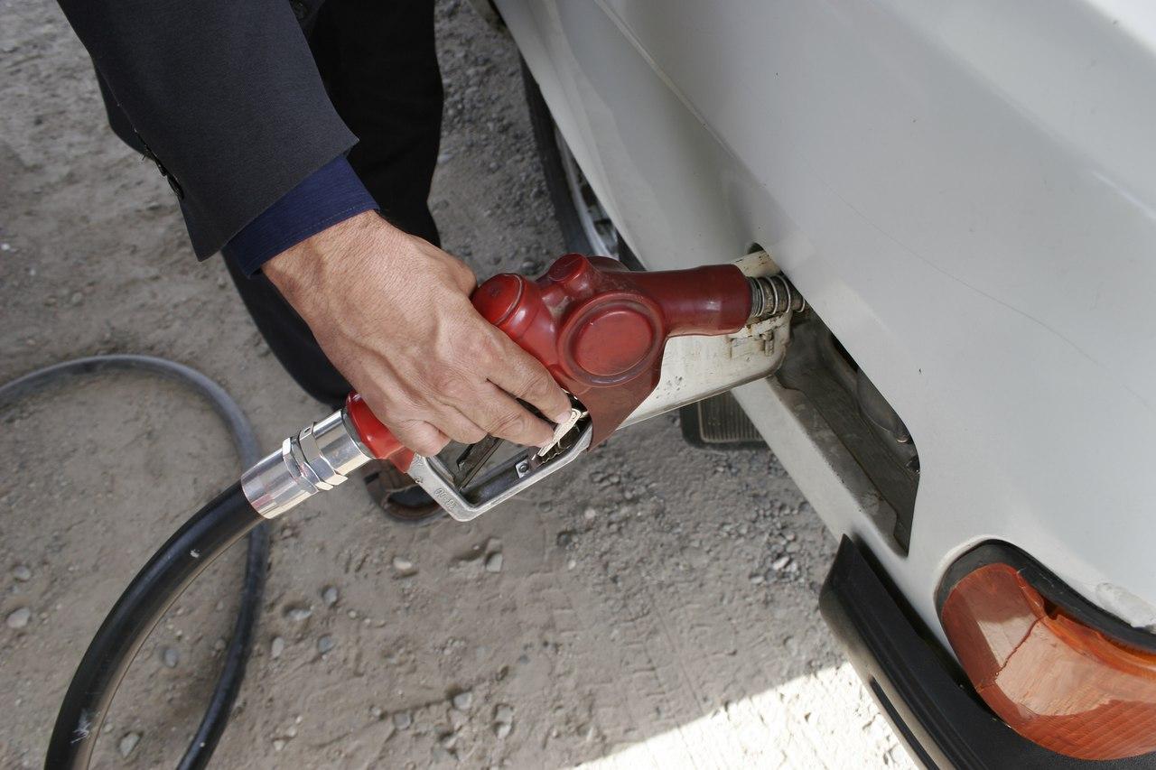 Топливный кризис в столице: В Душанбе заканчивается автомобильное топливо