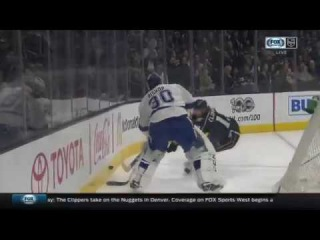Kyle Clifford Scores on Ben Bishop | Kings Lead Lightning 1-0
