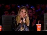 Фанатка Селин Дион поражает толпу песней My Heart Will Go On на шоу талантов.