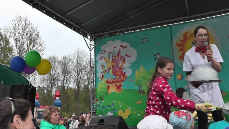 Шоу со льдом Оксаны Бусыгиной на чухонке в Колпино