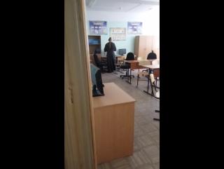 В белгородской школе №48 священник изгнал вирусы из старых компьютеров