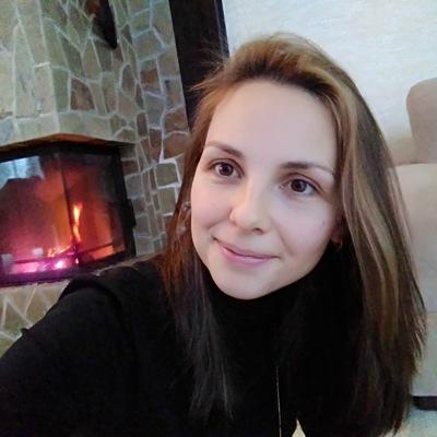 Алёна Азанова