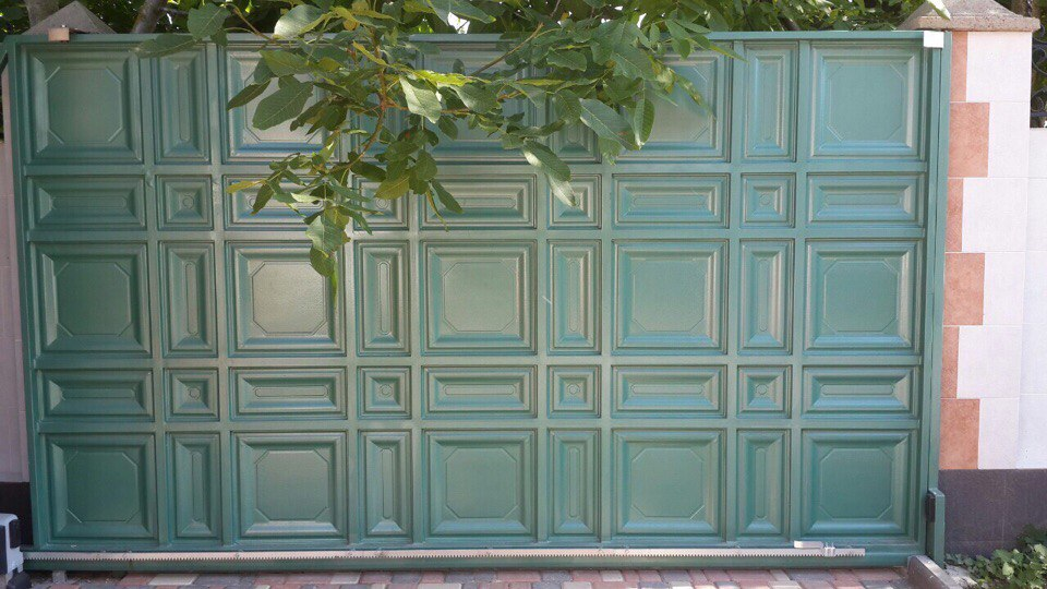 Секционные ворота размеры цены в Алуште
