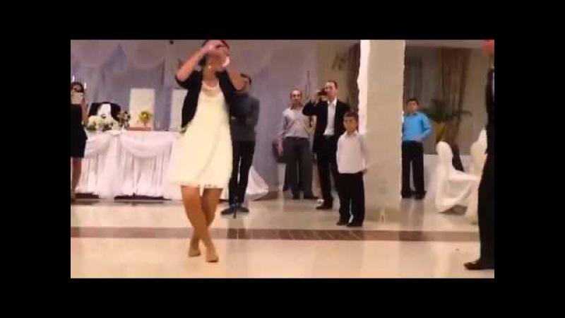Azerbaycan Düğünü - Kadın Müthiş oynuyor