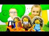 Игры бродилки. Путешествие онлайн на МОРЕ Семьи Ёжиков Village Story! Видео с игрушками Gulliver