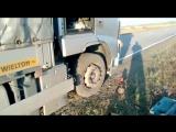 После взрыва колеса и его замены ( проверка повреждения ).