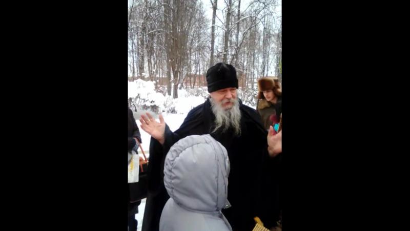 Поздравление о. Антония в монастыре Шамордино с Рождеством2017г. Дети д. Каменка поют колядки.