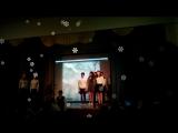 На сцене ,,6,, класс ,,Ж,, - песня Облака, Вадим Егоров.