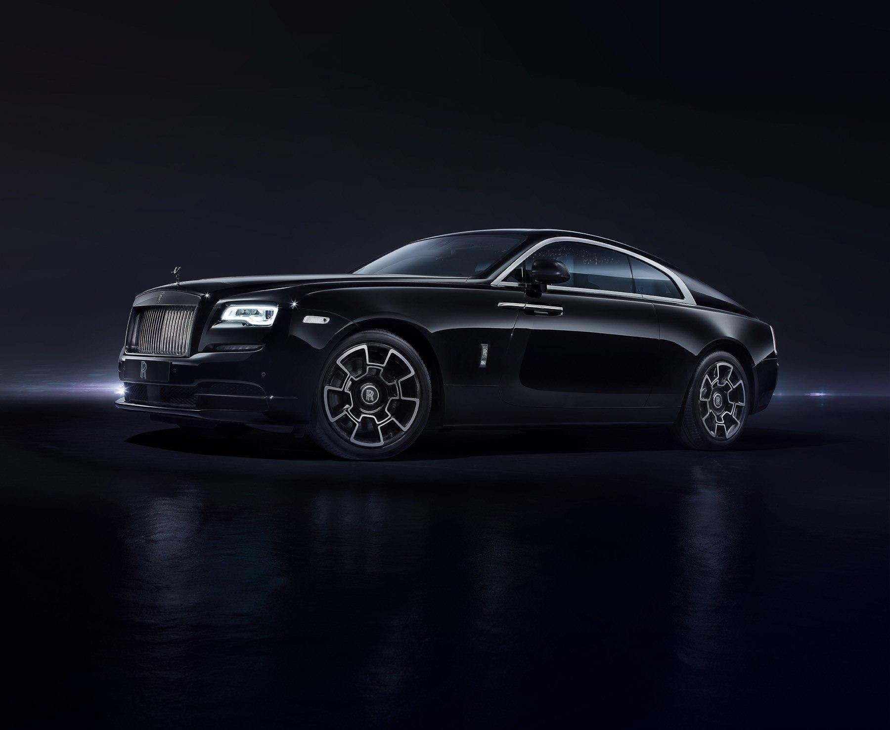 Rolls-Royce призывает сильных мира на тёмную сторону
