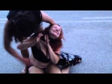 Пьяные женские драки. На дороге. Прикол 2016