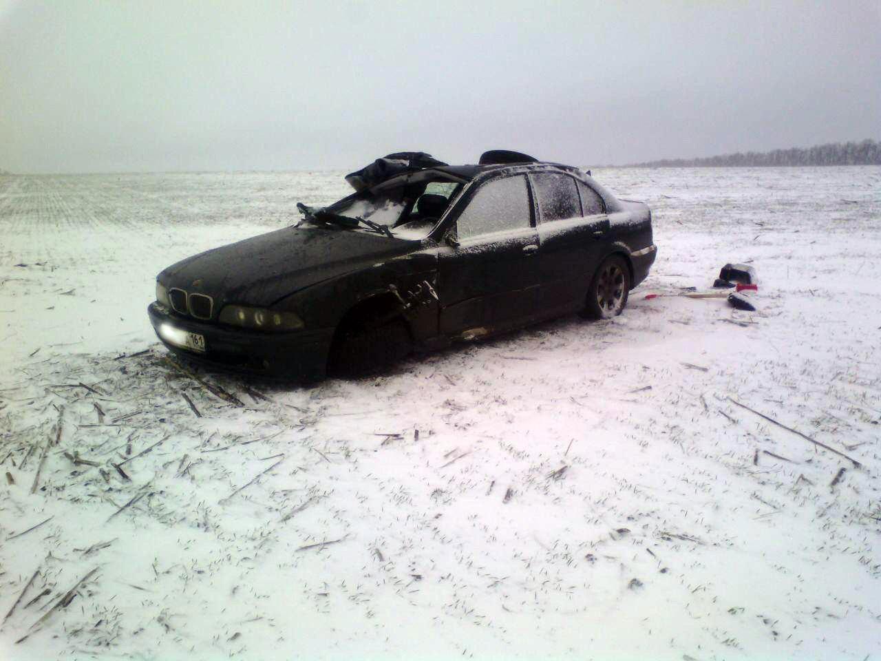 Под Таганрогом перевернулся BMW 528, один пострадавший