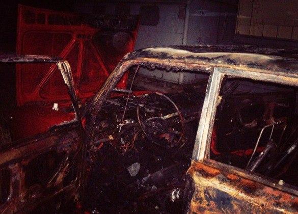 На выходных в Таганроге подожгли «ВАЗ-2101»