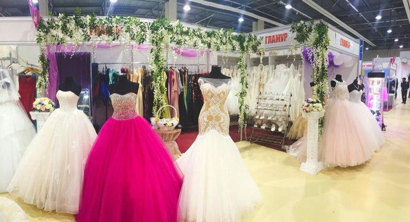 1000 нарядов и свыше 100 компаний на выставке «Свадебный салон и Выпускной бал»