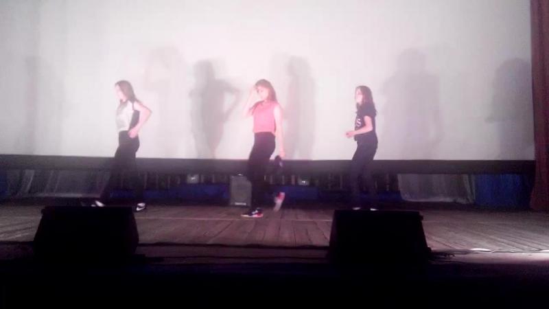 Like a boss-D.ENG dance 1m cover. Mina myoung.doctor pepper. 7/11